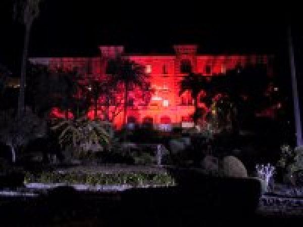 Palais Lantivy éclairage rouge