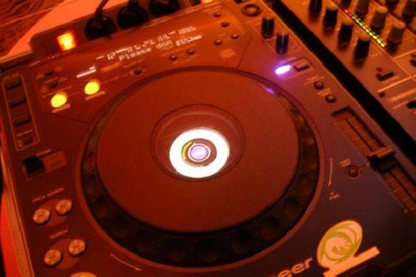 DJ-Mika vasta mariage