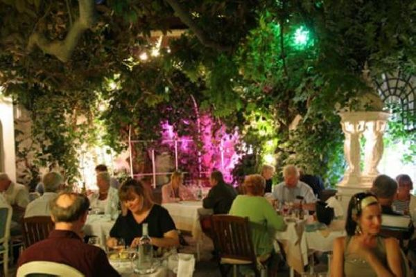 Hotel restaurant à Calvi