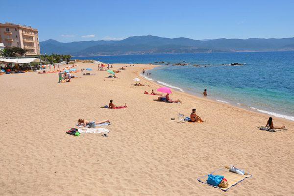 Hotel avec vue mer proche plage Ajaccio